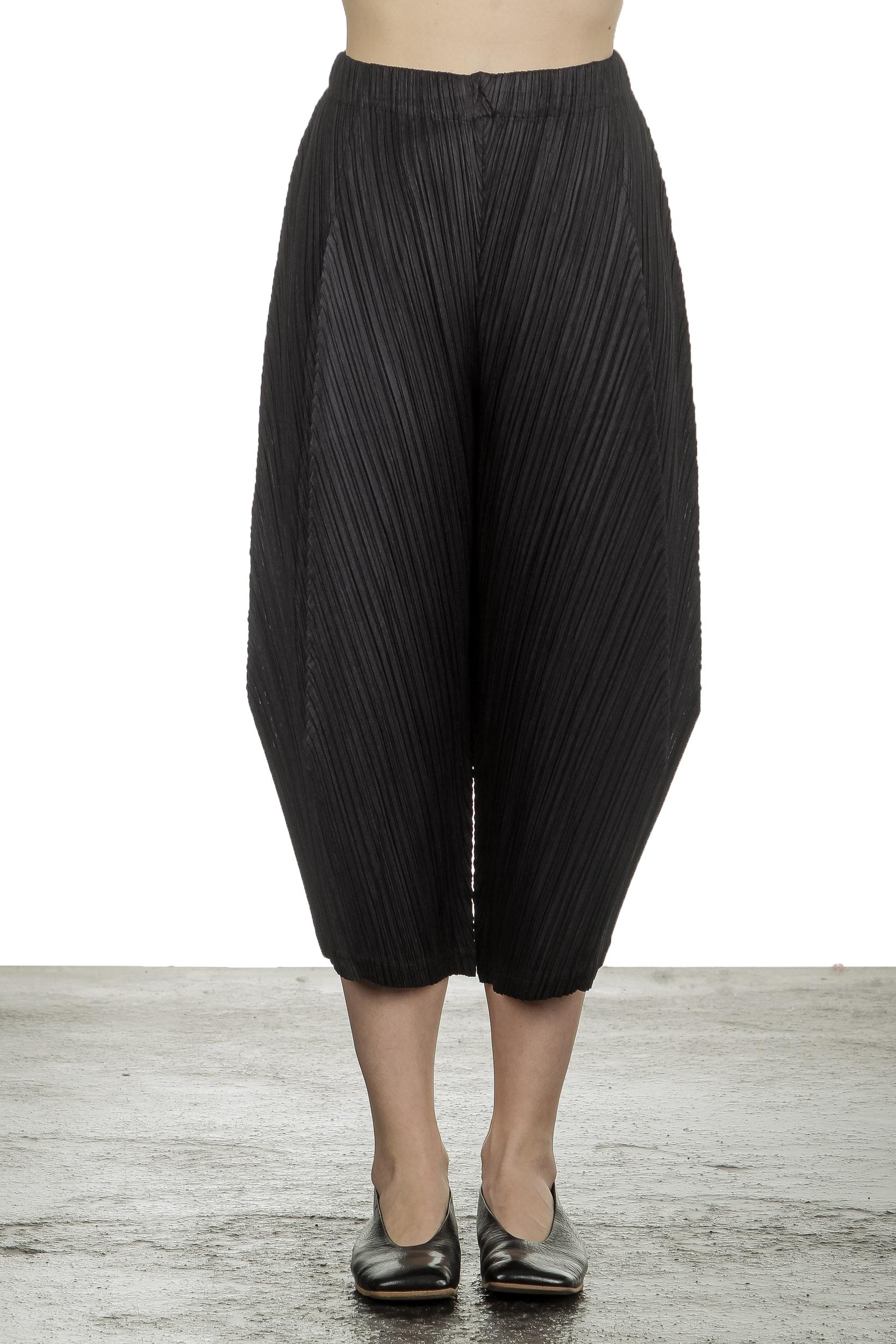 Hosen - Pleats Please Issey Miyake Damen Plissee 7 8 Hose mit hohem Bund schwarz  - Onlineshop Luxury Loft