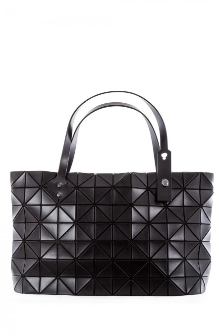 bao bao issey miyake handtasche rock matte schwarz. Black Bedroom Furniture Sets. Home Design Ideas