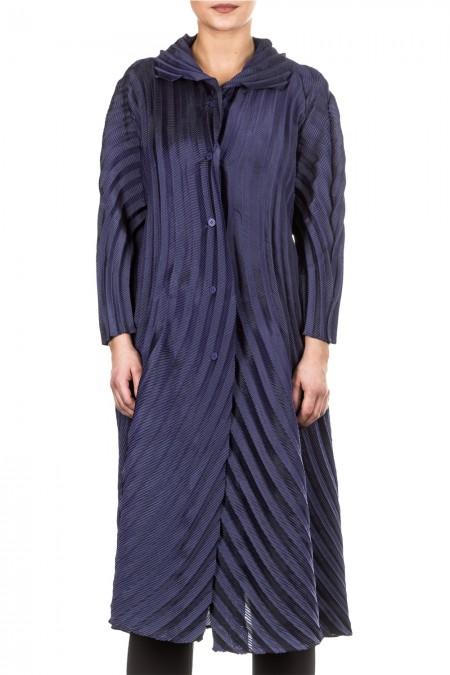 Issey Miyake Damen Gehrock violett