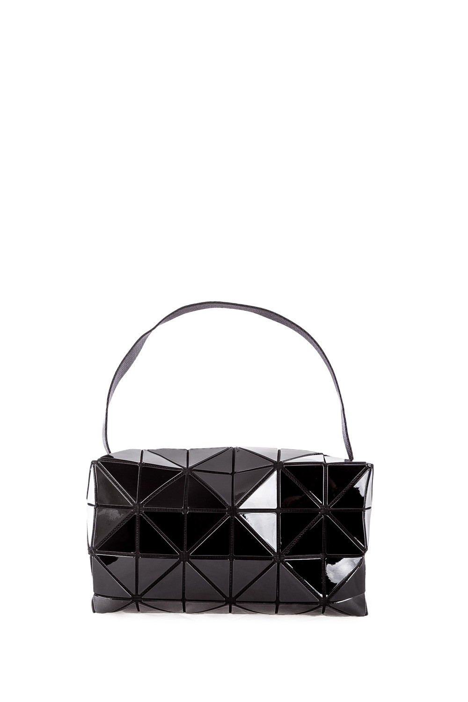 bao bao issey miyake carton s small messenger bag schwarz luxuryloft. Black Bedroom Furniture Sets. Home Design Ideas