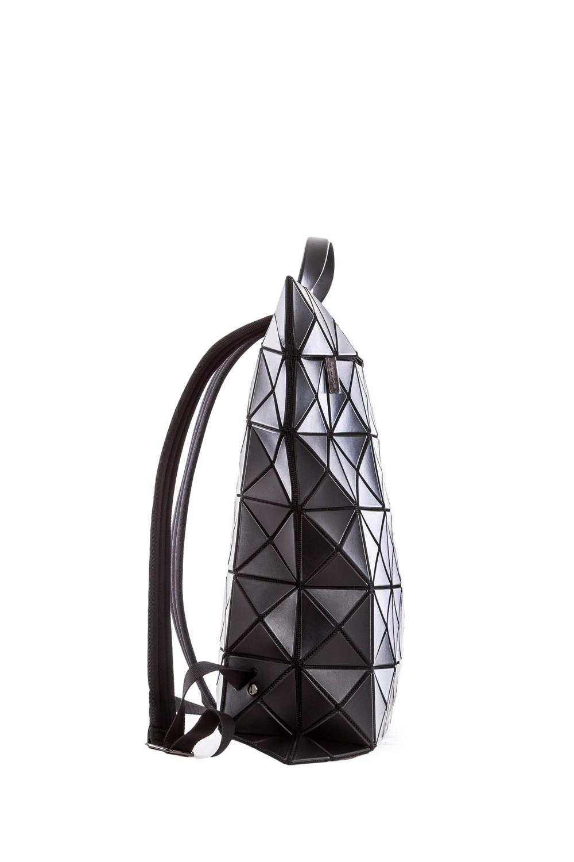 bao bao issey miyake rucksack flat pack schwarz luxuryloft. Black Bedroom Furniture Sets. Home Design Ideas