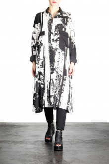 Yohji Yamamoto Damen Bluse Portrait lang schwarz weiß