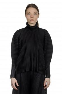 Pleats Please Issey Miyake Damen Plissiertes Langarmshirt  mit Rollkragen schwarz